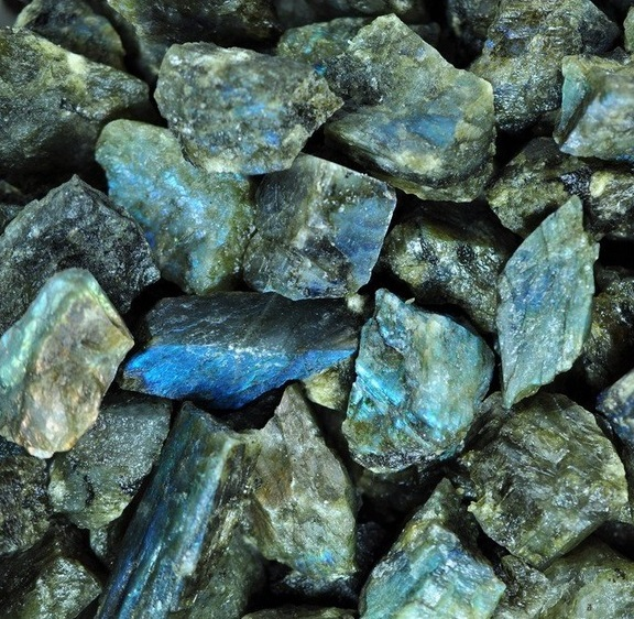 Labradorite - natural