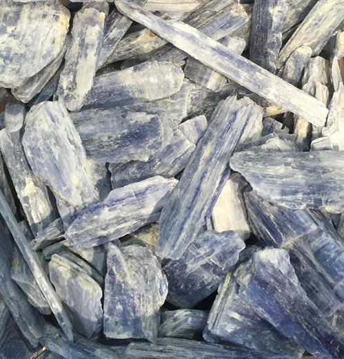 bule kyanite - natural